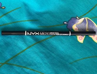 Den beste øyenbrynspennen for deg med mye tomrom i brynene dine!